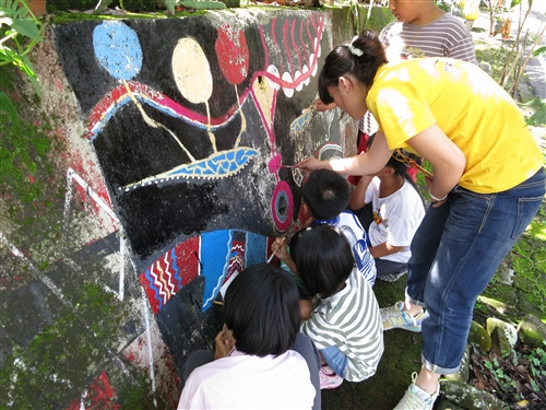 學務處協助來吉國小辦理暑期綠活圖文化營。