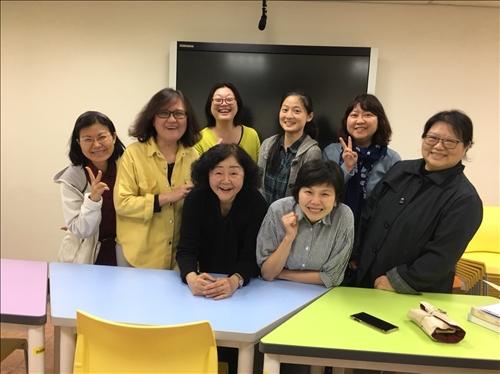 <時代華語>語法工作坊培訓教師合照。