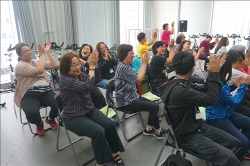 計畫協同主持人葉淑惠老師也在場下參與