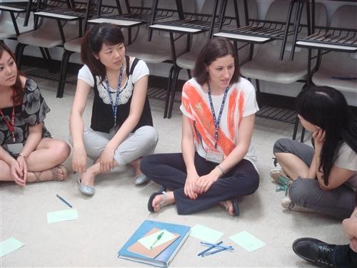 2010暑期生活英語營在淡水校園熱鬧展開囉!!