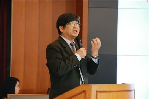 第一場主題演講由劉金源理事長主講