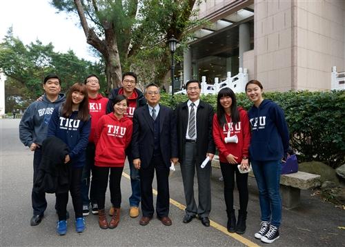學生發起全校TKU帽T日TKU Hoodie Day活動。