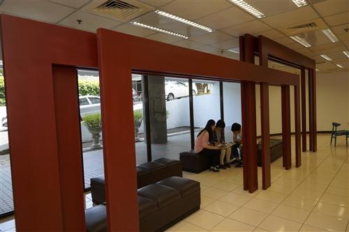 圖書館舉辦「ReOpen 點亮書海風采」創新空間茶會。