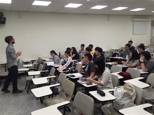 105學年度第2學期開設2班托福iBT檢定考試拔尖班
