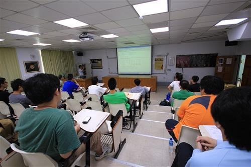 物理系教師2013研究成果發表會