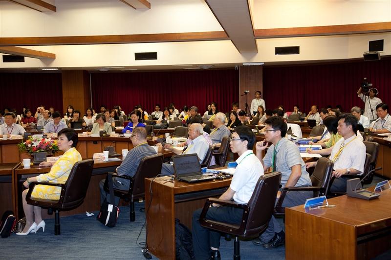 資圖系舉辦「2012年第十一屆海峽兩岸圖書資訊學學術研討會」。