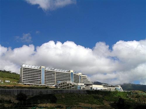 建邦教學大樓與宿舍全景