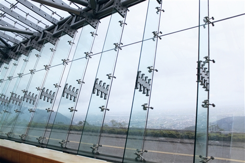 蘭陽校園落地窗