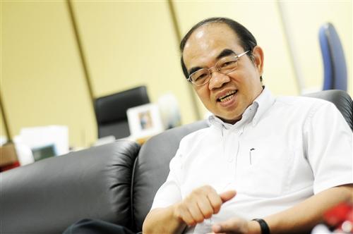吳茂昆 物理系校友 中央研究院物理研究所所長