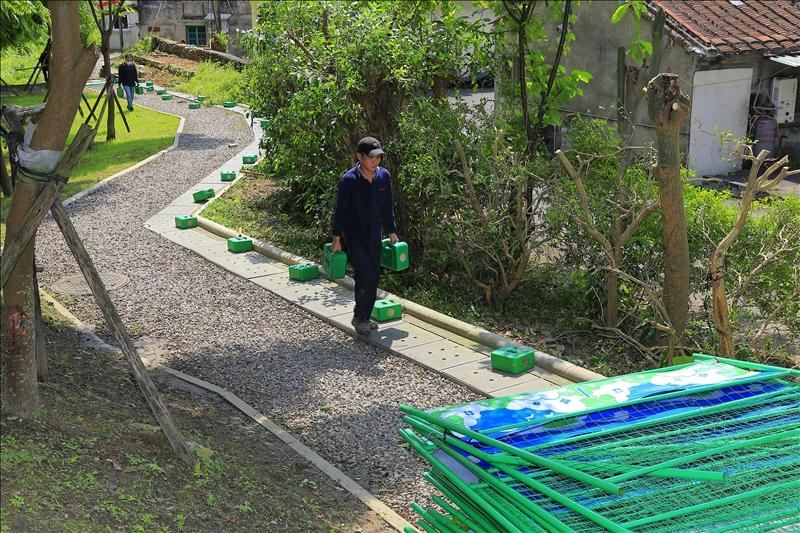 6月14日起本校解除門禁管制,拆除校園周邊圍籬。(攝影/游晞彤)