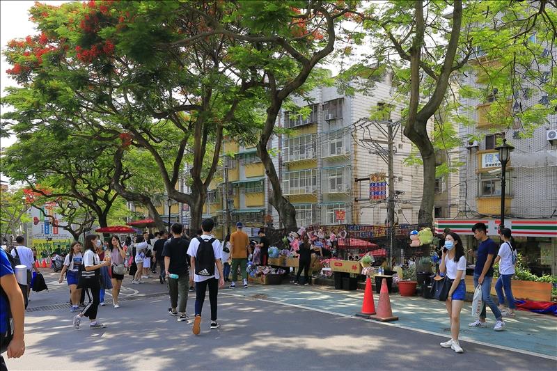 6月14日起本校解除門禁管制,校園恢復往日風貌。(攝影/游晞彤)