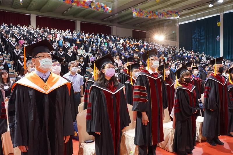 今年畢業典禮受新冠肺炎疫情影響,在符合中央流行疫情指揮中心規範下,採縮減規模方式舉行。(攝影/淡江時報社羅偉齊)