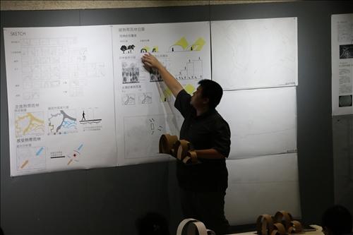 建築系學生小組作品利用海報架構出設計理念