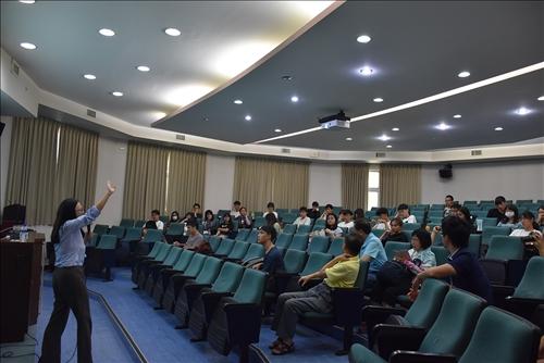 講者與聽眾互動
