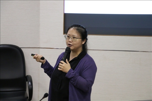 王怡萱老師分享自己的研究撰寫經驗