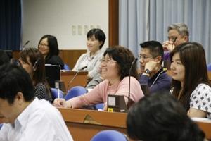 專題講座:溝通好才能教得好--談大學老師的教學溝通技巧