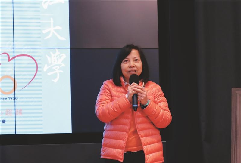 總務組組長丘瑞玲進行「TQM推動執行之經驗分享」專題演講。(攝影/淡江時報社潘劭愷)