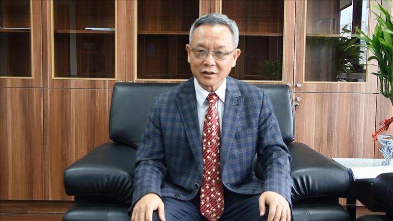 國際事務副校長王高成錄影祝福境外生新春愉快。(圖/國際暨兩岸交流處提供)