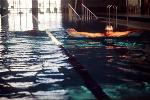 紹謨紀念游泳館內景-07