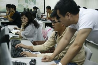 981教學助理教學工作坊:讓你的簡報亮起來-PowerPoint2007美妝技巧