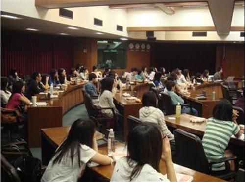 98學年度「國際志工之培訓課程」