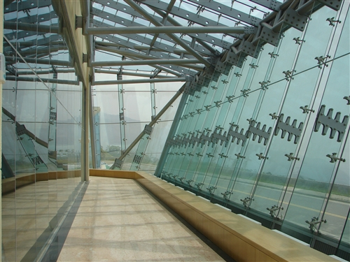 強邦國際會議廳光影走廊
