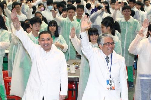 全民一起手創光點瘋科學 挑戰千人做實驗
