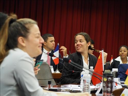 模擬聯合國會議 進行實務練習 拓展全球視野