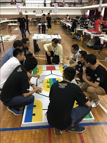 國際奧林匹亞機器人大賽215支隊伍共同較勁