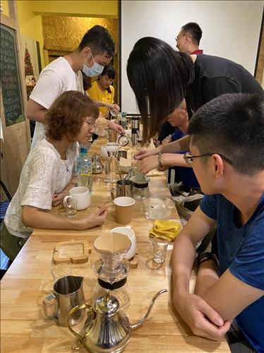 學員實習場域手沖咖啡過程
