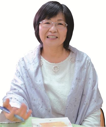 中文系助理教授 黃麗卿
