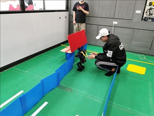 避障(Obstacle run)比賽照片