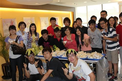 2012境外生中秋佳節贈月餅活動