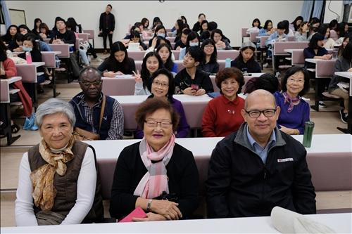 天主堂教友及系友、老師、國外來賓