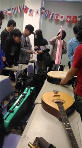 學生體驗操作樂器(一)