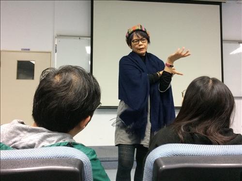 賴治怡小姐講述如何發想創意行銷影片內容及架構。