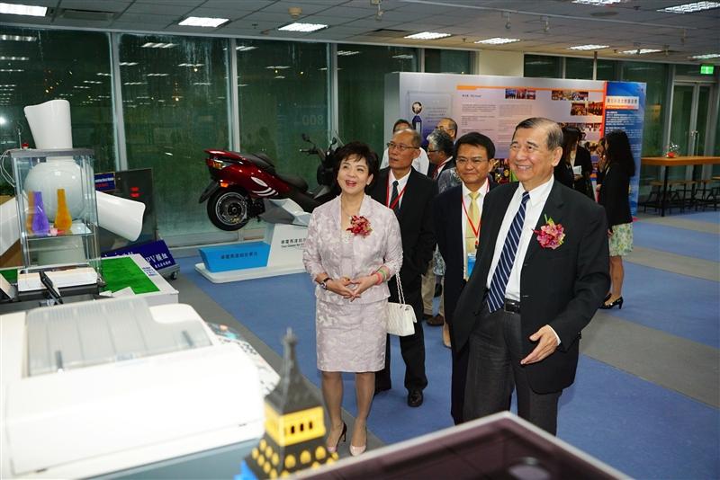 本校與東元集團簽訂產學合作協議。