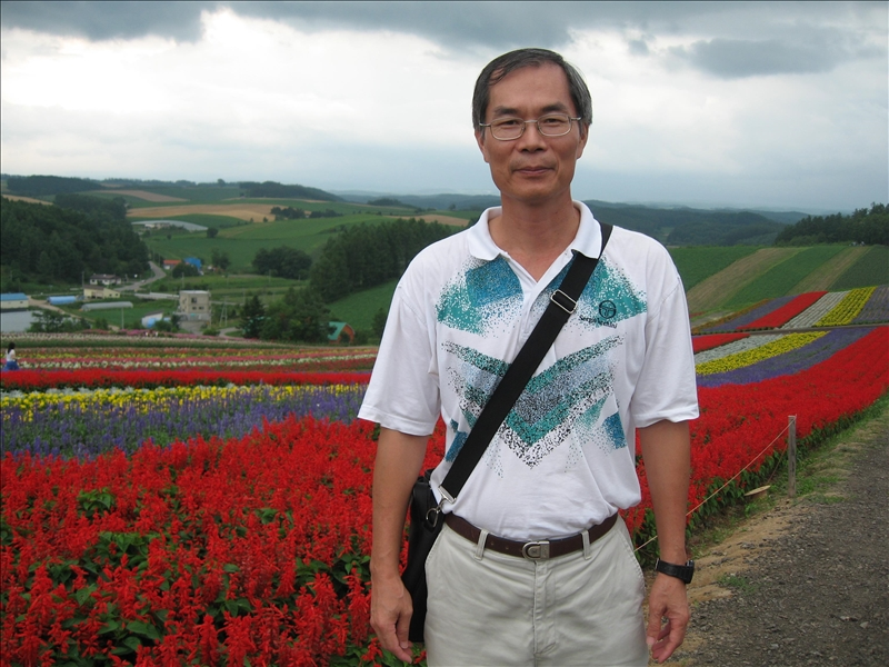 本校數學系講座教授郭忠勝繼99年度後,第2次榮獲科技部數學學門傑出研究獎的殊榮。