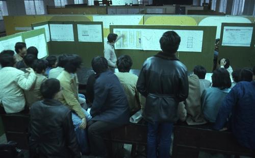 印證時代變遷建築系出版《嚮‧建築:民歌時代的建築青年》。