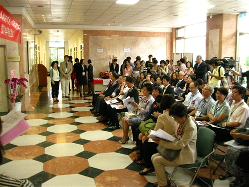 本校全台首創「村上春樹研究中心」隆重開幕。
