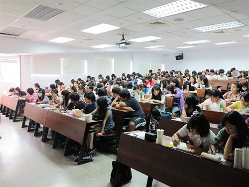 中文系:五虎崗文學寫作坊II