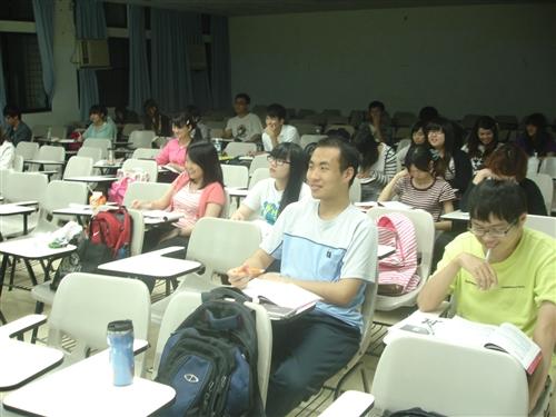 101學年度第2學期英語能力加強班開課嘍!