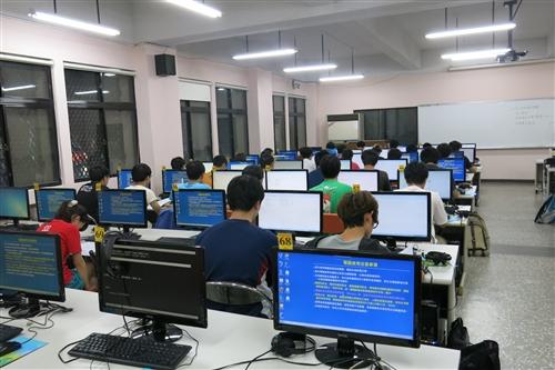 資工系「程式設計能力檢核」