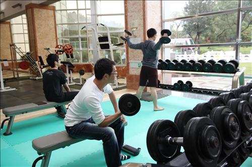 游泳館重訓設備