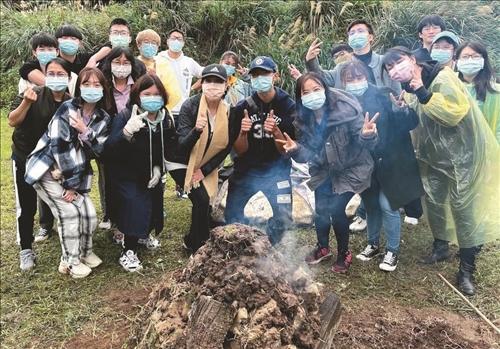 臺灣農村窯烤體驗
