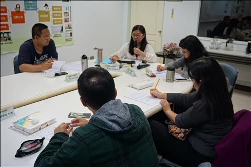 各業務承辦人與各學院學生代表進行議題討論