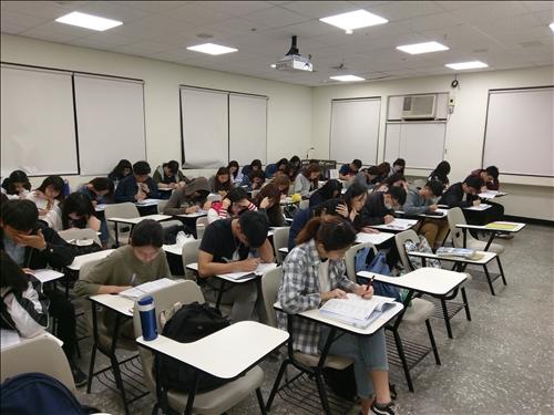 106學年度第2學期 英文職涯班