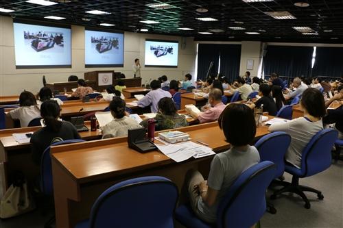 專題講座:「借力使力:以手機為互動媒介」