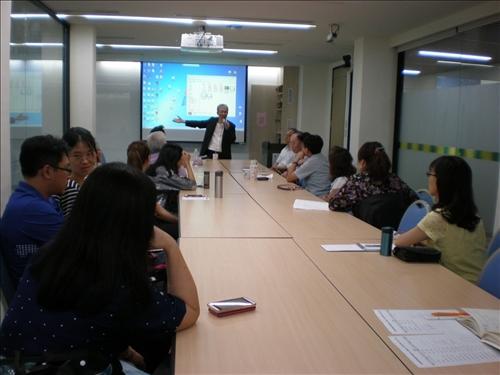 107年度 國外教授來訪學術演講「文化與創意/創新」演講