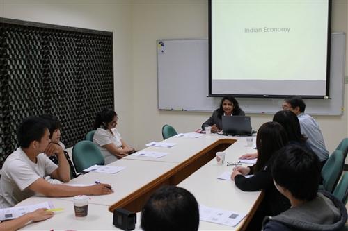 印度米堤大學講師Dr. Suruchi Agarwal蒞校訪問